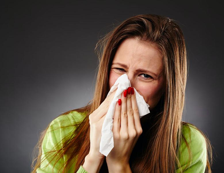 鼻水で肌がガサつく。鼻下が赤く荒れないための対策法