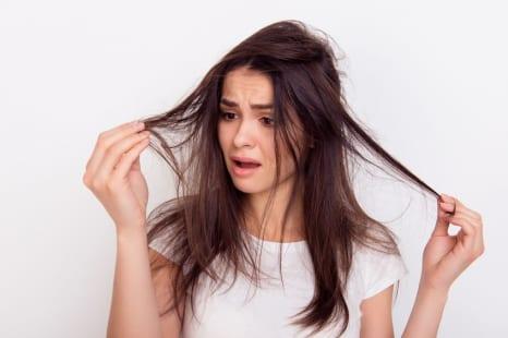 キレイな黒髪とハリコシがなくなるNG習慣って?美容ライターがその原因と対策をレポート