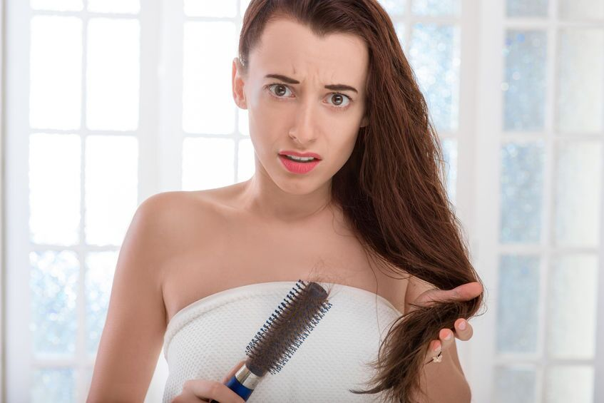 35歳を過ぎる薄毛に悩む人が急増!?大人女性の薄毛対策