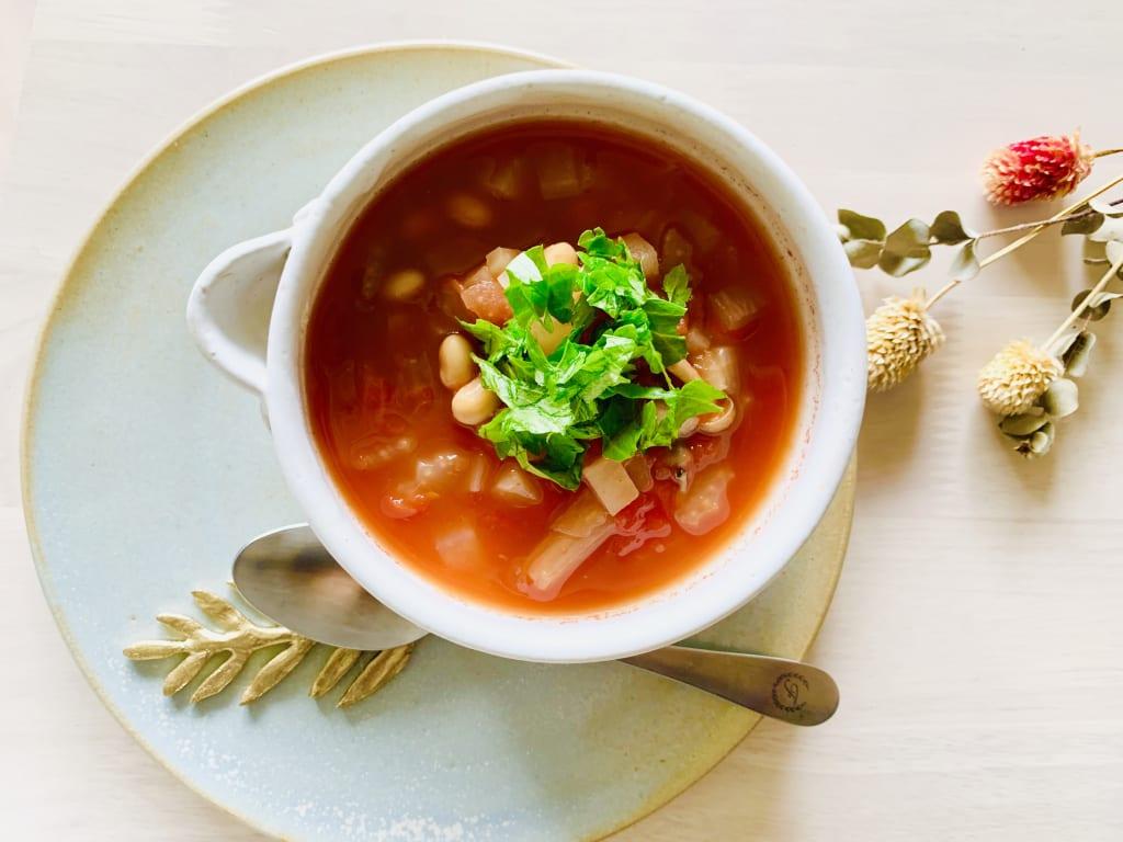 食べ過ぎた時の体重管理に!胃腸に優しい薬膳トマトスープ