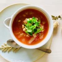 ちょい足しで栄養価UP!トマトの美肌効果を高める食べ方