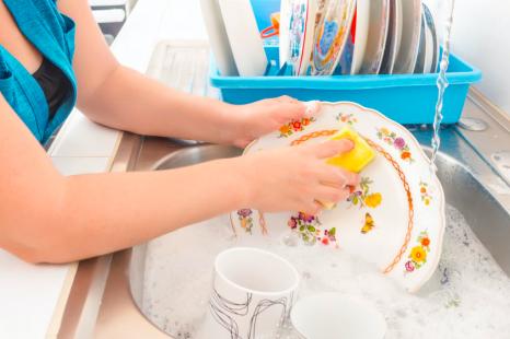 繰り返す手荒れの原因は?肌&地球に優しい洗剤で手荒れ対策