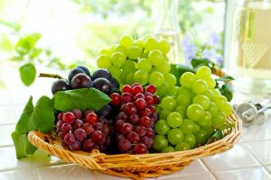 美肌づくりにマストな「身近なフルーツ」3つ (3)ブドウ