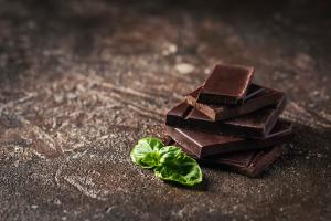 コンビにでも買える!お肌にやさしいおやつ3つ (3)チョコレート