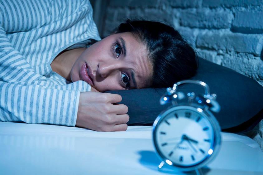 質の良い睡眠を妨げるのは?就寝前に控えたい7つのNG習慣