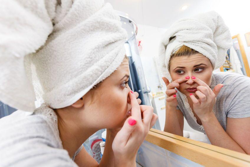 大人女性が毛穴レスになるには?毛穴悩み別の対策を解説