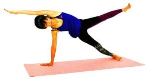 さらに余裕がある人は、左足を腰の高さに伸ばします。この時、かかとで見えない壁を押すように全身を強く伸ばしてください。そのまま5呼吸繰り返し、ゆっくり元の位置に戻ります。反対側も同様に動作しましょう
