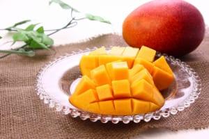 冷凍で毎日続く!腸活に役立つ旬フルーツ3つ (1)マンゴー