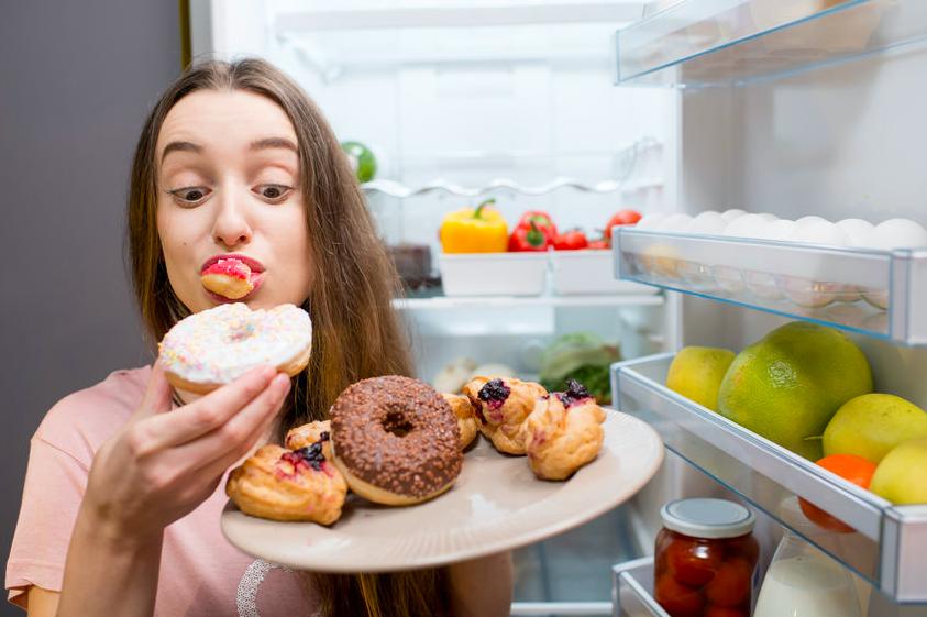 在宅は誘惑だらけ?ストレス食べを減らす方法&間食レシピ
