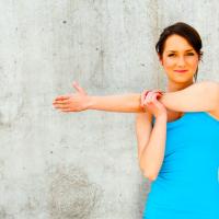 肩こりでほうれい線が深くなる?肩こり&姿勢改善1分ストレッチ