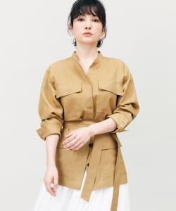 「シャツジャケット」は、コーディネイトが洗練するおすすめのアウターのひとつです。Tシャツやデニムなどのラフなスタイルも、シャツジャケットを羽織るだけできちんとしたお出かけスタイルに仕上げてくれます