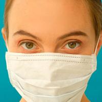 口周りの肌荒れ、ぷつぷつ…マスク荒れを軽減するケアのコツ