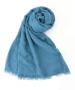 これからスカーフやストール手に入れるなら、単色、もしくは2色までのニュアンスカラーでやわらかい素材のものが巻きやすく合わせやすいのでおすすめです