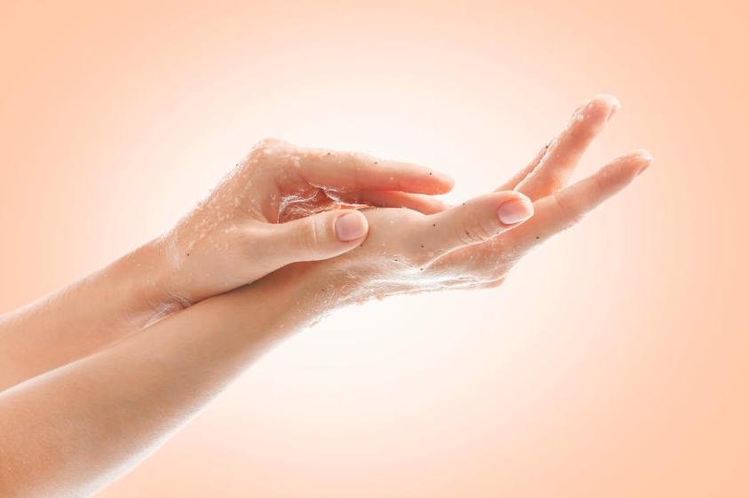 手洗い消毒で荒れた手に!きれいな手肌を取り戻すハンドケア