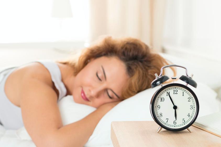 在宅勤務で体内時計が乱れる?美と健康のために守るべきこと