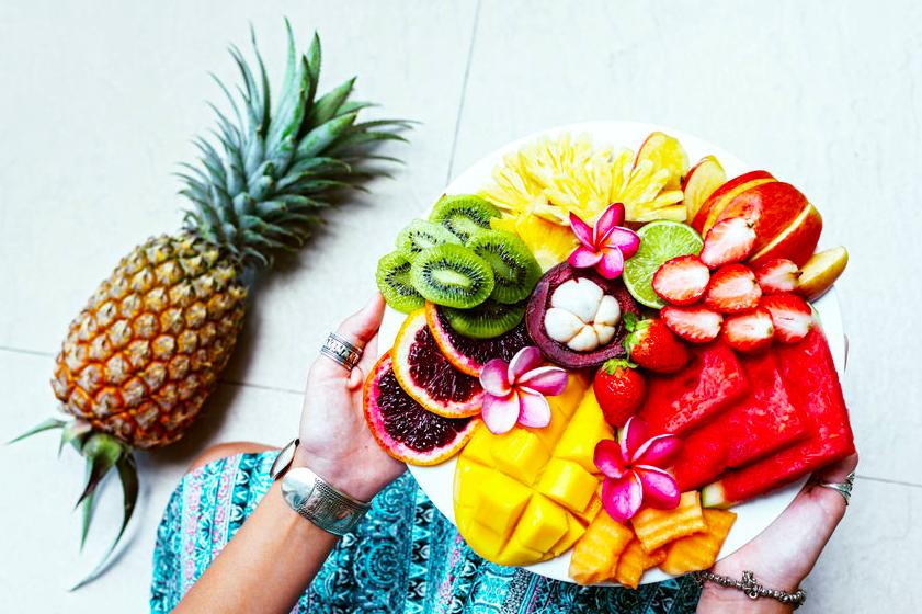 暑さに負けない美肌に!女性に嬉しい栄養豊富な南国フルーツ