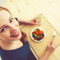 ダイエット中のおつまみに!旬のタコと野菜のヘルシーマリネ