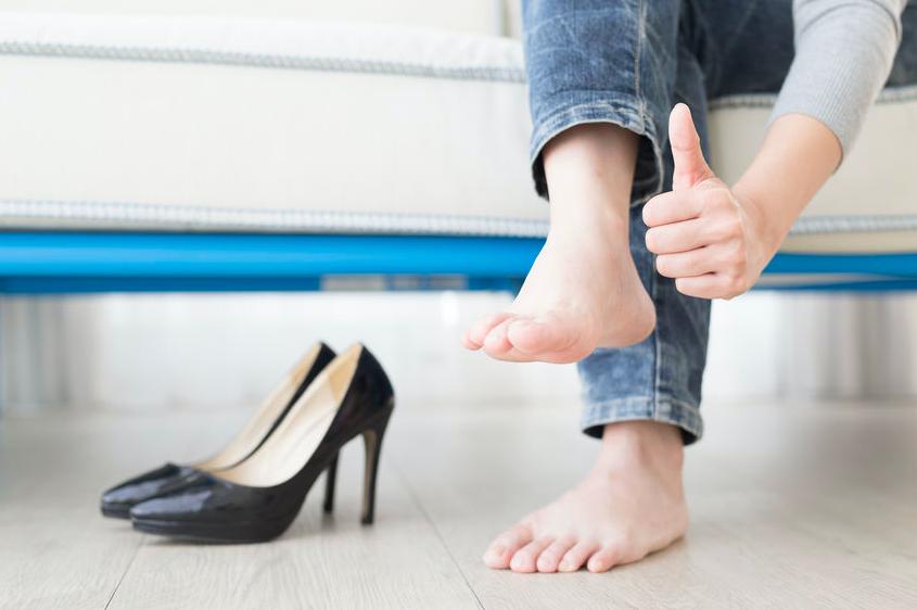 夏でも臭わない女になる!清潔感がUPする足の臭い対策