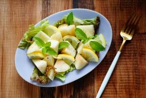桃とレモンのハーブサラダ