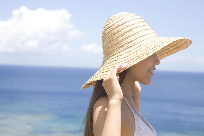 夏のヘアケア帽子画像