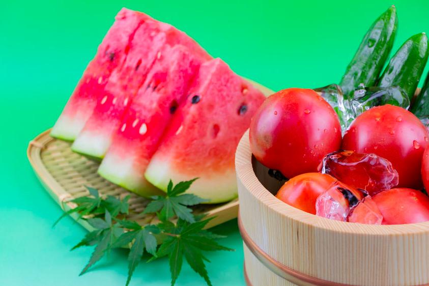 むくみ対策に!ミネラルと水分たっぷり、毎日食べたい夏食材