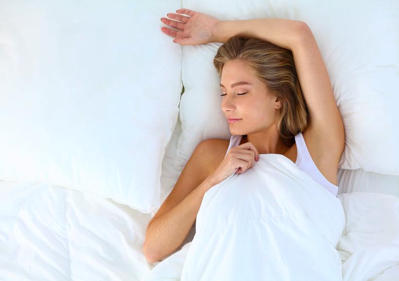 睡眠は最強の美容液!?アンチエイジングのための睡眠法