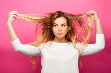 うねり、ボリュームダウン…専門家が教える髪のエイジングの原因&ケア法