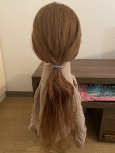 こちらの画像は、NGな髪質です。毛先がパサパサとして、疲れているような印象を与えてしまいます