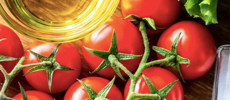 トマトで口臭がなくなる?体の中から口臭対策できる食材5つ