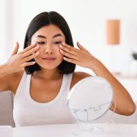疲れ目が目元の老けを招く?若々しい目元を保つための栄養素
