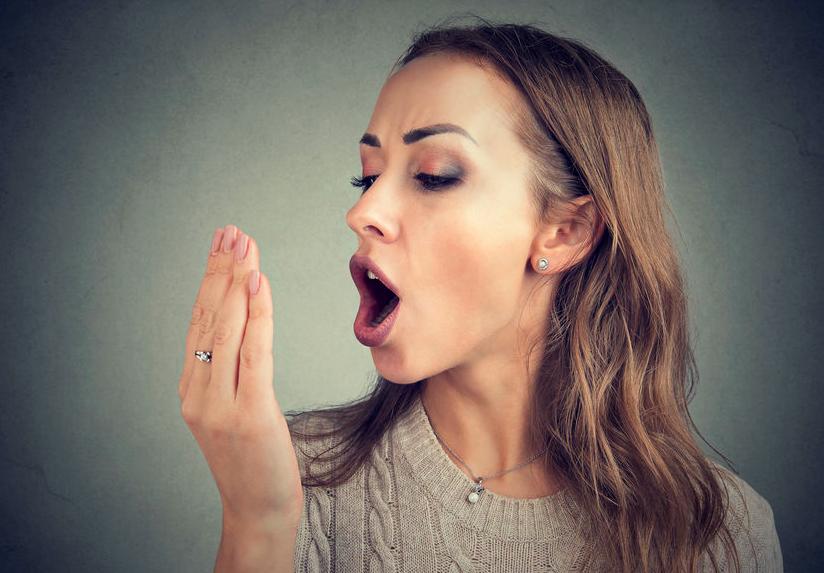 マスクで口が臭う?口臭対策におすすめの食材&生活のコツ