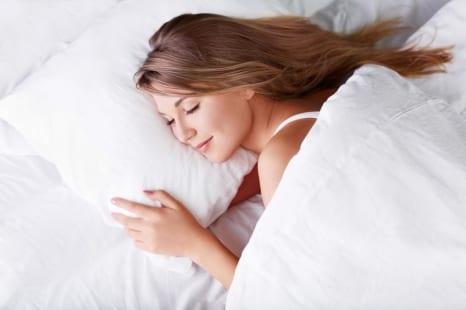 0円でできる最高の美容法!美肌につながる睡眠習慣3つ