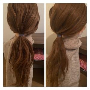 ワックスをつけて手ぐしでまとめ、結びます。結び目からルーズに髪を少し引っ張り出し、ラフ感を出せば完成です