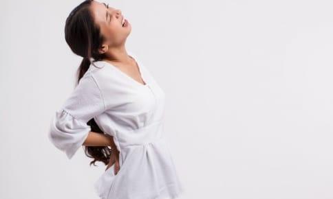 リモートで肩こり腰痛悪化?快適に在宅ワークする姿勢のコツ