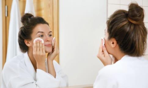 洗顔後即オイルで肌を守る!乾燥ダメージをリペアするケア法