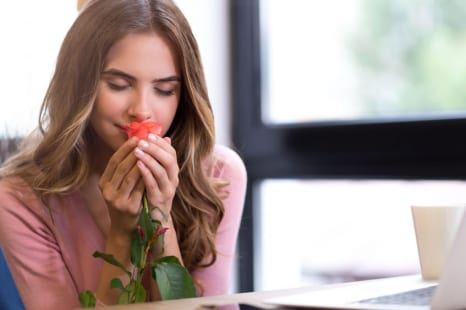 ストレスを一掃!心を豊かにする日常使いできる香りアイテム
