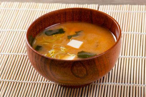 朝の一杯で体ポカポカ!1分で作れる出汁なしで美味しい味噌汁