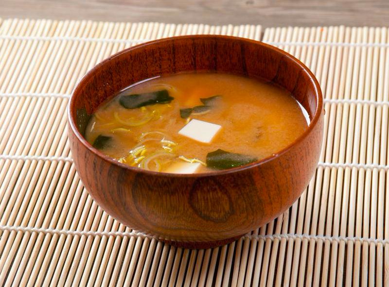 朝の味噌汁で手足ぽかぽか!1分で完成する味噌汁の作り方
