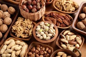 ダイエット、抗老化、鉄分補給!美容の目的別にナッツを選ぶ