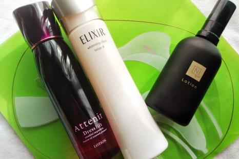 潤うだけじゃない!もっちりハリ肌に導く機能派化粧水3選