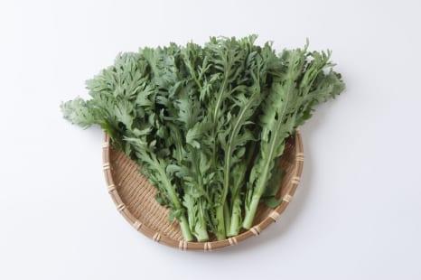 サラダにして美肌力UP!鍋だけじゃない春菊の食べ方&魅力