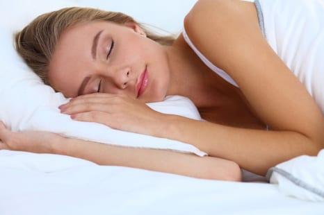 室温○度だと眠りの質が上がる!?ぐっすり眠るためのヒント
