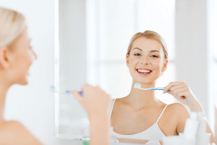 40代以降は歯もくすみやすい!?歯科医師に聞く正しい歯磨き&ホワイトニング術