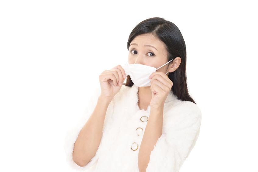 舌の位置でたるみを予防?歯科医師に聞く「マスク老け解消法」   つやプラ - つやっときらめく美をプラス