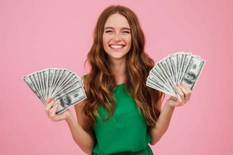 お金がお金を産む?幸せ度が上がる満足度の高いお金の使い方