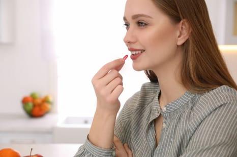 栄養バランスの乱れで不調に?更年期不調緩和に役立つサプリ