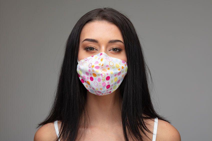 浅い呼吸で肩こりに!?マスクをしている時に注意したい呼吸