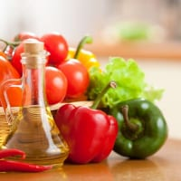 食べ方を変えてたるみケア!?老化予防に役立つ4つの食習慣