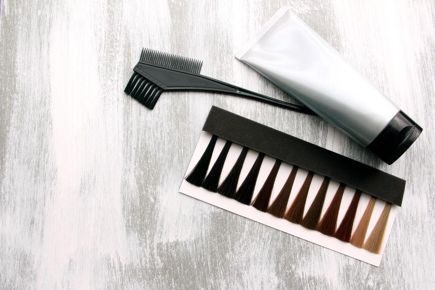 白髪、何で染める?カラー剤のメリット&デメリットと選び方