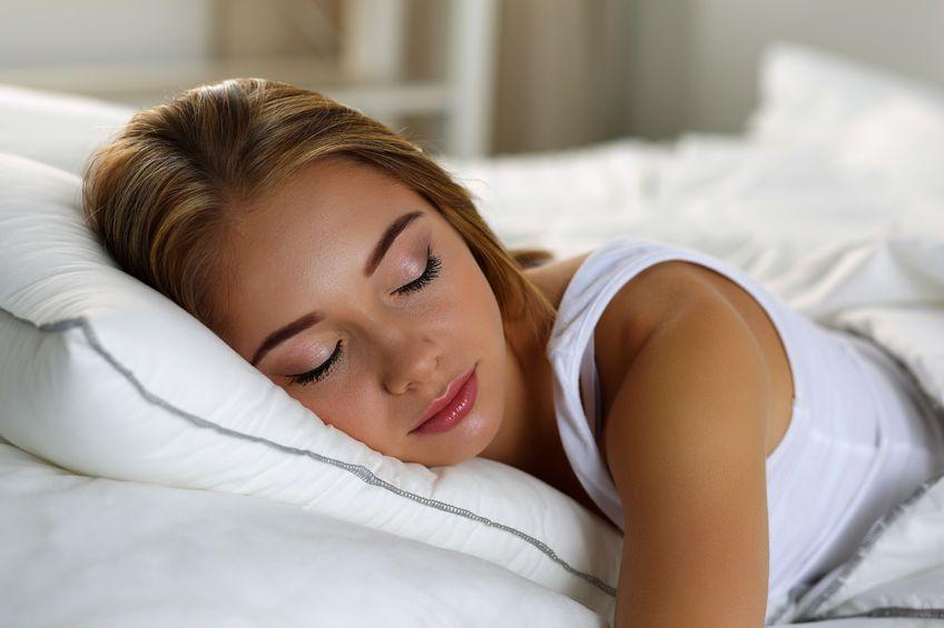 ハッピーな気持ちで眠る!幸福感をもたらす寝る前の習慣